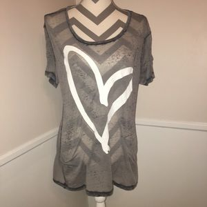 CHASER | burnout graphic heart tee